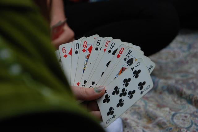 Her kan du se et billede af en hånd i kortspillet 500